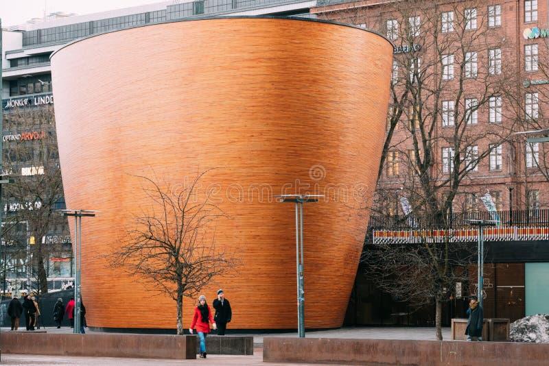 Ελσίνκι, Φινλανδία Παρεκκλησι Kamppi γνωστό επίσης ως παρεκκλησι της σιωπής στοκ εικόνες