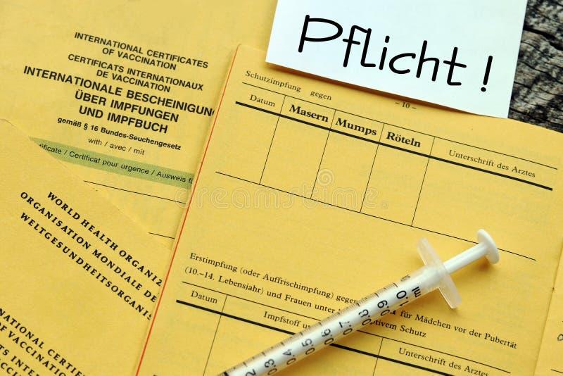 Εμβολιασμός ενάντια στην ιλαρά εθελοντική ή υποχρεωτική στοκ εικόνες