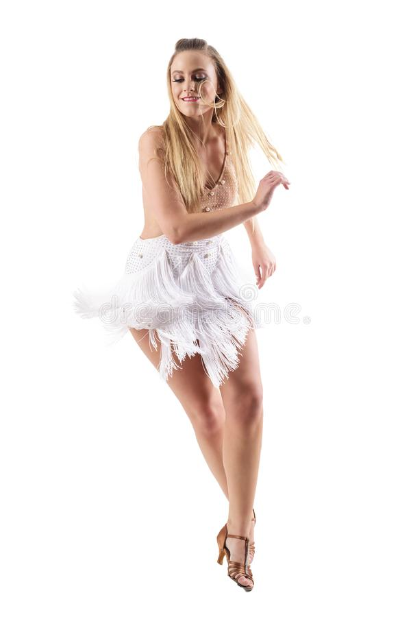 Εμπαθής ενεργητικός προκλητικός λατίνος ξανθός χορευτής στα χείλια δαγκώματος δράσης στοκ εικόνα με δικαίωμα ελεύθερης χρήσης