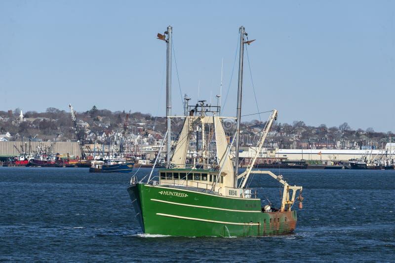 Εμπορικός τίτλος Huntress αλιευτικών σκαφών έξω στο ταξίδι στοκ φωτογραφίες