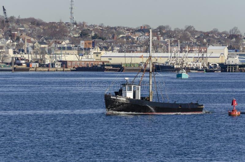 Εμπορικό αλιευτικό σκάφος Μαρία Mendonsa που αποχωρεί από το Νιού Μπέντφορτ στοκ εικόνα με δικαίωμα ελεύθερης χρήσης