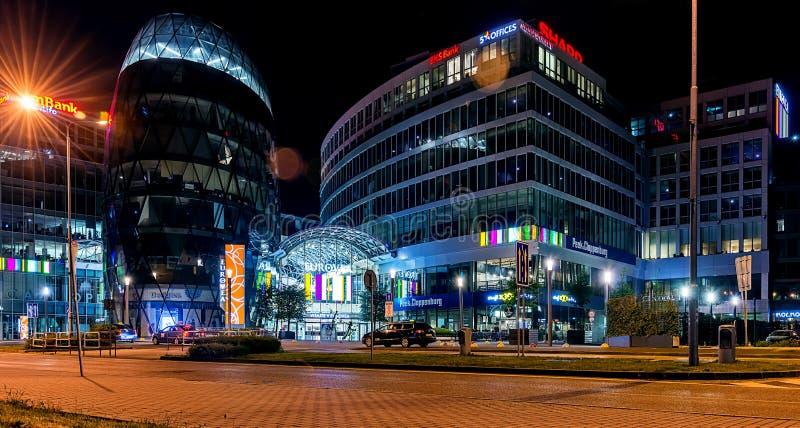 Εμπορικό κέντρο Eurovea Galleria τη νύχτα στοκ εικόνες με δικαίωμα ελεύθερης χρήσης