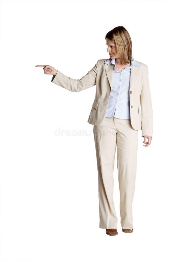 εμφανίζει μόνιμη γυναίκα στοκ φωτογραφία με δικαίωμα ελεύθερης χρήσης