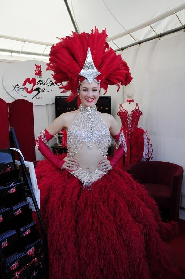 Εμφανίστε κορίτσι του ρουζ Moulin στοκ εικόνα με δικαίωμα ελεύθερης χρήσης
