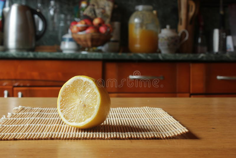 λεμόνι αποκοπών στοκ φωτογραφία