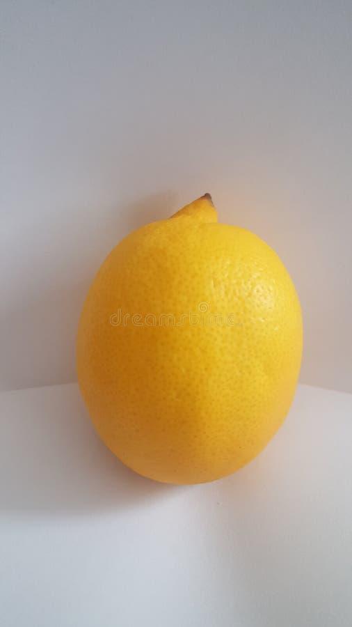 λεμόνι ξινό στοκ εικόνες