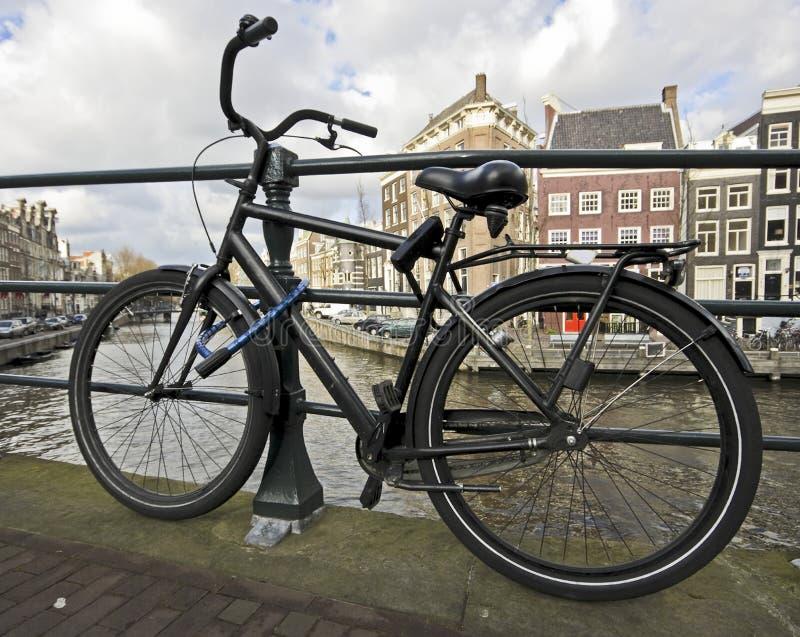 ενάντια στο ποδήλατο αλ&upsi στοκ φωτογραφίες με δικαίωμα ελεύθερης χρήσης