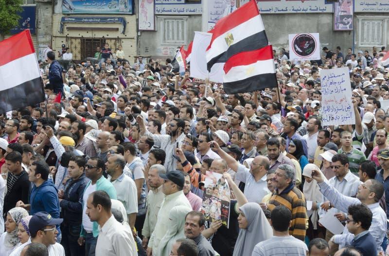 ενάντια στο συμβούλιο που καταδεικνύει Αιγυπτίους στρατιωτικούς στοκ φωτογραφία