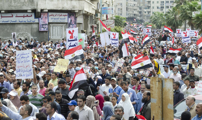 ενάντια στο συμβούλιο που καταδεικνύει Αιγυπτίους στρατιωτικούς στοκ φωτογραφίες