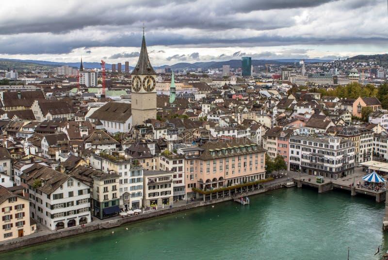 Εναέρια άποψη εικονικής παράστασης πόλης της Ζυρίχης στοκ εικόνες