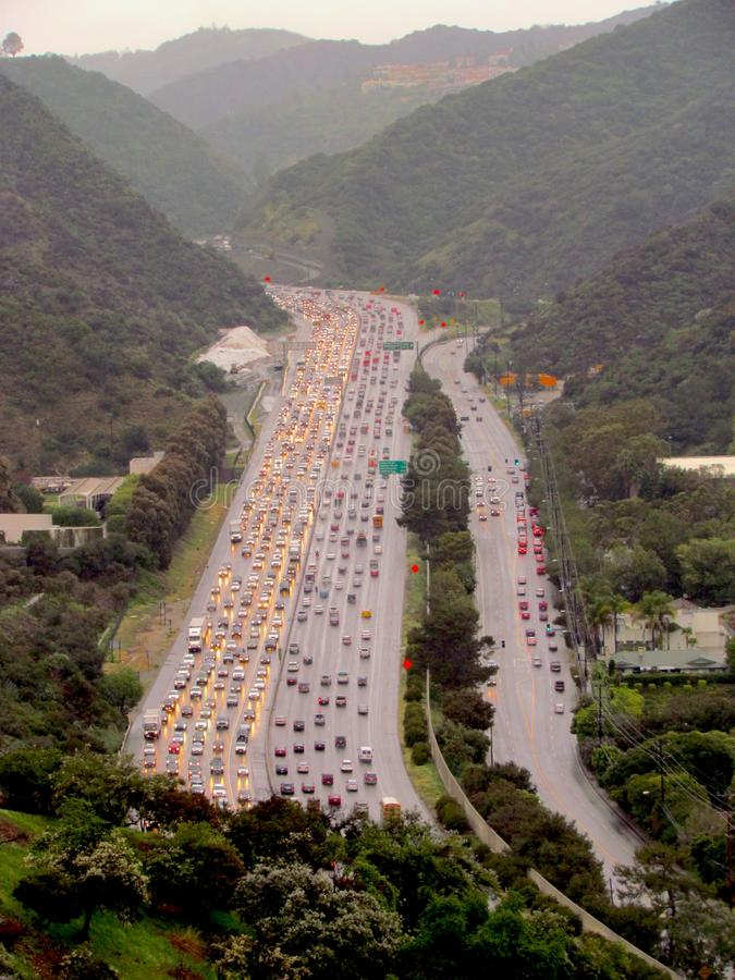 Εναέρια άποψη μιας κυκλοφοριακής συμφόρησης στο Λος Άντζελες στοκ εικόνες