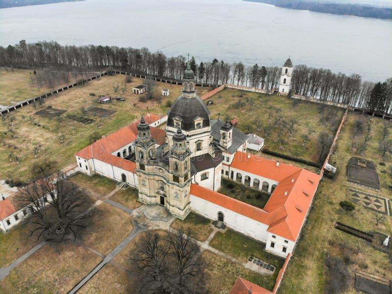 Εναέρια άποψη μοναστηριών Pazaislis σε Kaunas, Λιθουανία στοκ φωτογραφίες με δικαίωμα ελεύθερης χρήσης