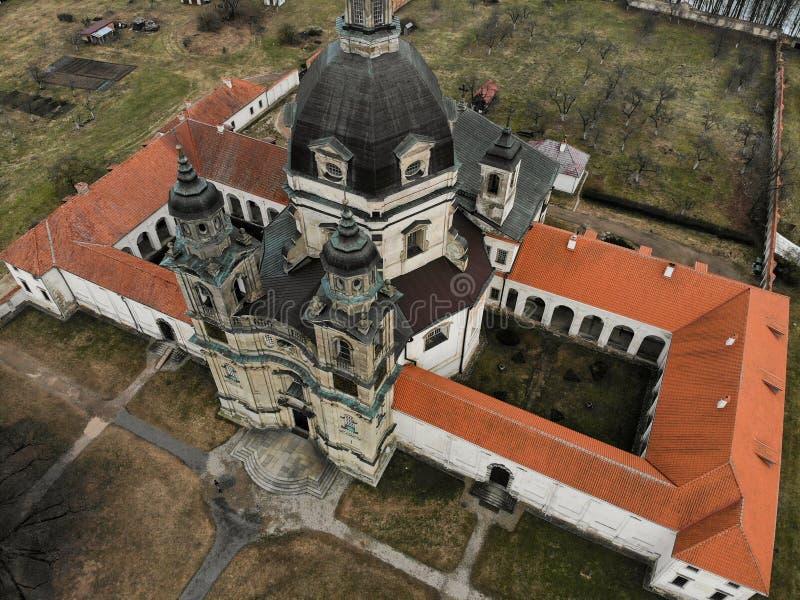 Εναέρια άποψη μοναστηριών Pazaislis σε Kaunas, Λιθουανία στοκ εικόνα με δικαίωμα ελεύθερης χρήσης