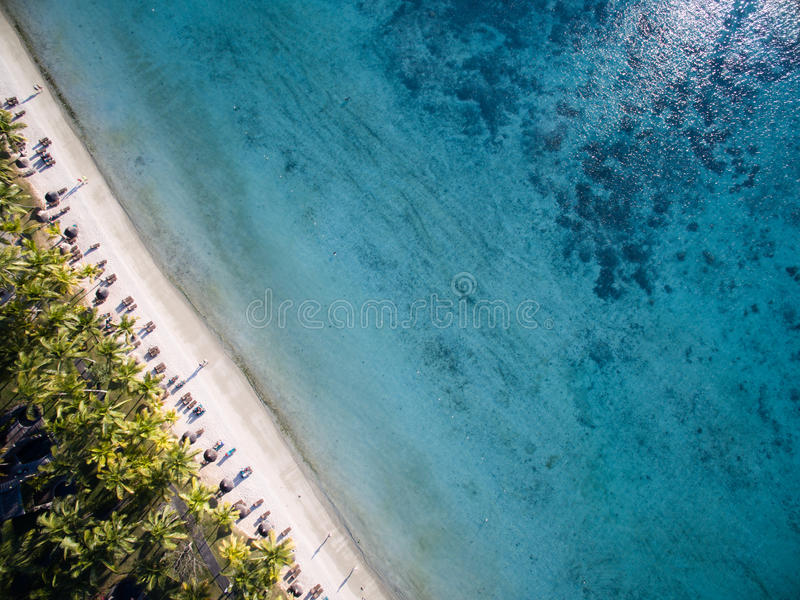 Εναέρια άποψη: Παραλία Biches Trou aux στοκ εικόνα