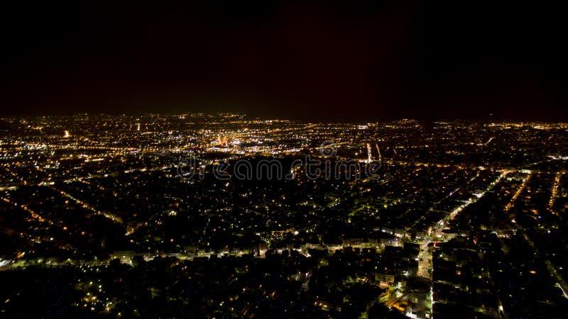 Εναέρια άποψη της Αθήνας τή νύχτα στοκ φωτογραφία με δικαίωμα ελεύθερης χρήσης