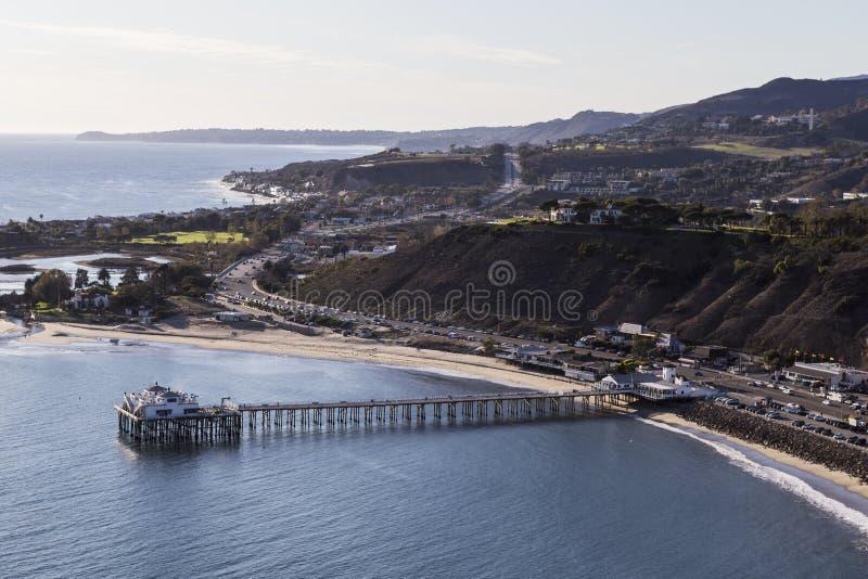 Εναέρια άποψη της αποβάθρας Malibu στην ακτή Καλιφόρνιας στοκ εικόνα με δικαίωμα ελεύθερης χρήσης