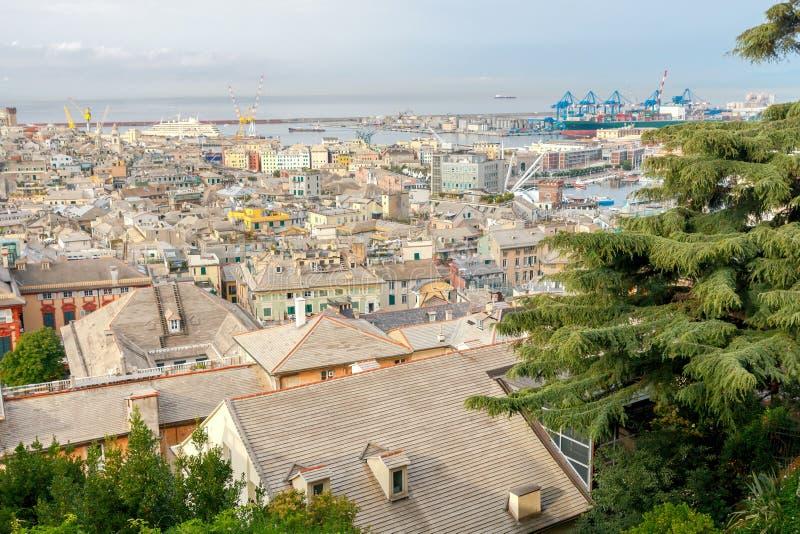 Εναέρια άποψη της Γένοβας από την κορυφή ο λόφος στοκ φωτογραφίες