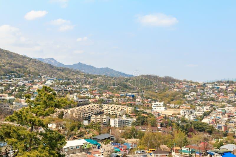 Εναέρια άποψη της κατοικήσιμης περιοχής στη Σεούλ & seongbuk-ήχο καμπάνας στοκ φωτογραφίες με δικαίωμα ελεύθερης χρήσης