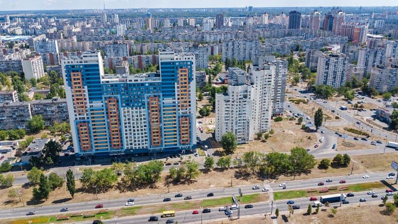 Εναέρια άποψη της νέας σύγχρονης κατοικημένης περιοχής Obolon στην πόλη του Κίεβου άνωθεν, Kyiv, Ουκρανία στοκ εικόνα