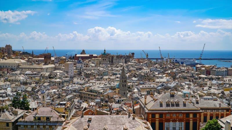 Εναέρια άποψη της παλαιάς πόλης Γένοβα Ορίζοντας Γένοβας, Ιταλία στοκ εικόνα με δικαίωμα ελεύθερης χρήσης