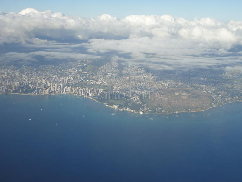 Εναέρια άποψη της παραλίας Waikiki και του κεφαλιού διαμαντιών στοκ εικόνες