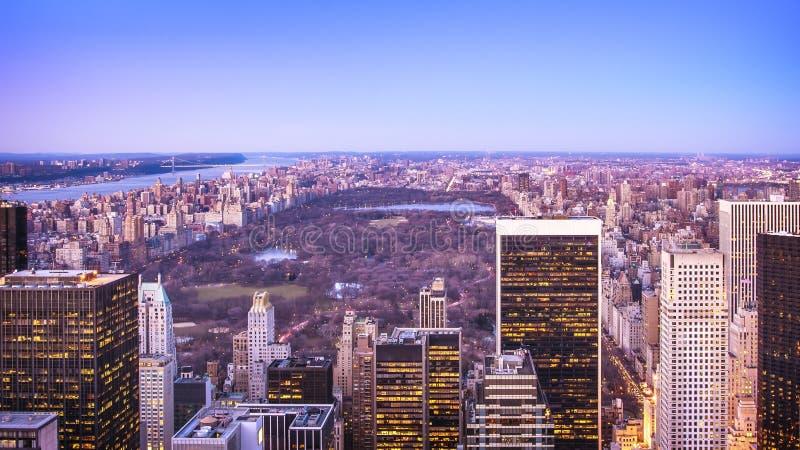 Εναέρια άποψη της πόλης της Νέας Υόρκης στο ηλιοβασίλεμα στοκ εικόνα με δικαίωμα ελεύθερης χρήσης