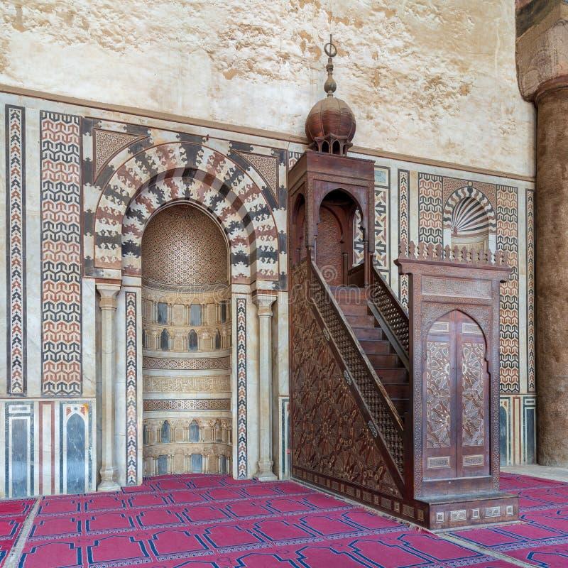 Εναέρια άποψη της πόλης του Καίρου από την ακρόπολη Al Deen Salah με το σουλτάνο Χασάν Al και τα μουσουλμανικά τεμένη Al Rifai, Κ στοκ εικόνες