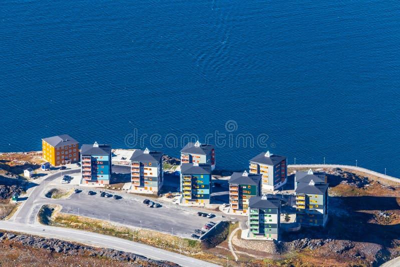 Εναέρια άποψη της πόλης του Νουούκ με τις σύγχρονα οδούς και τα κτήρια στο θόριο στοκ φωτογραφίες