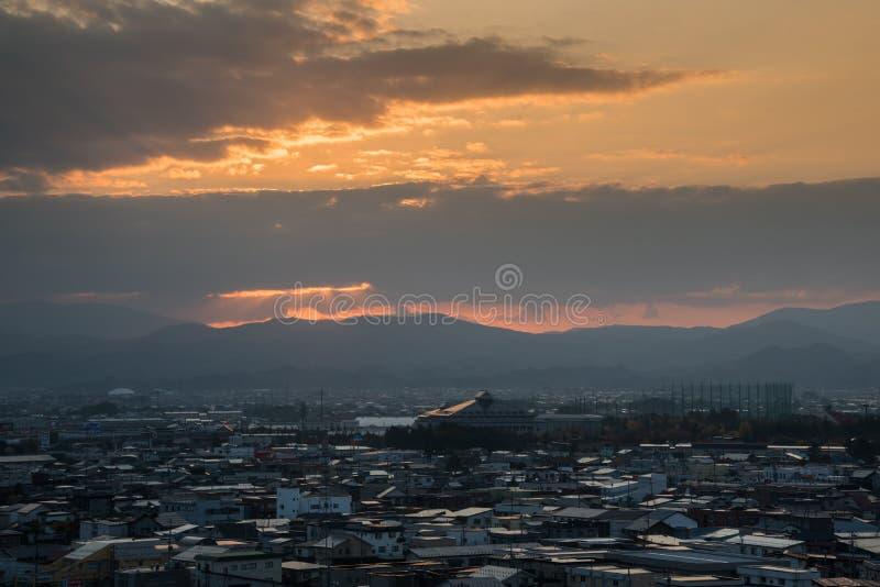 Εναέρια άποψη της πόλης Hirosaki στην ανατολή στοκ φωτογραφία