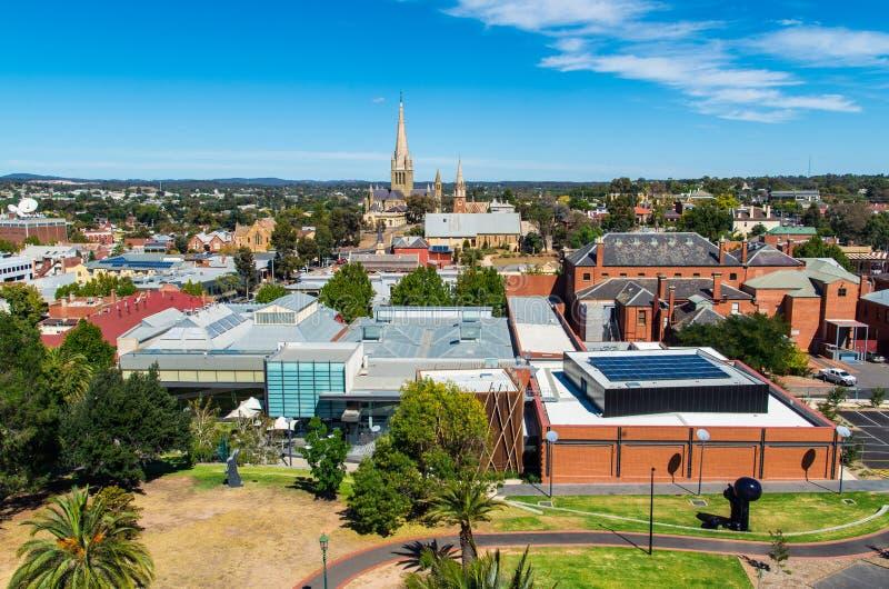 Εναέρια άποψη του γκαλεριού τέχνης Bendigo και του ιερού καθεδρικού ναού καρδιών, Αυστραλία στοκ εικόνα με δικαίωμα ελεύθερης χρήσης
