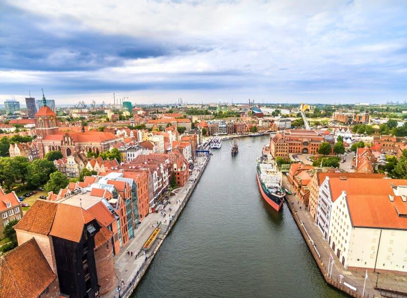 Εναέρια άποψη του Γντανσκ Τοπίο της παλαιάς πόλης με τον ποταμό Motlawa στοκ φωτογραφία με δικαίωμα ελεύθερης χρήσης