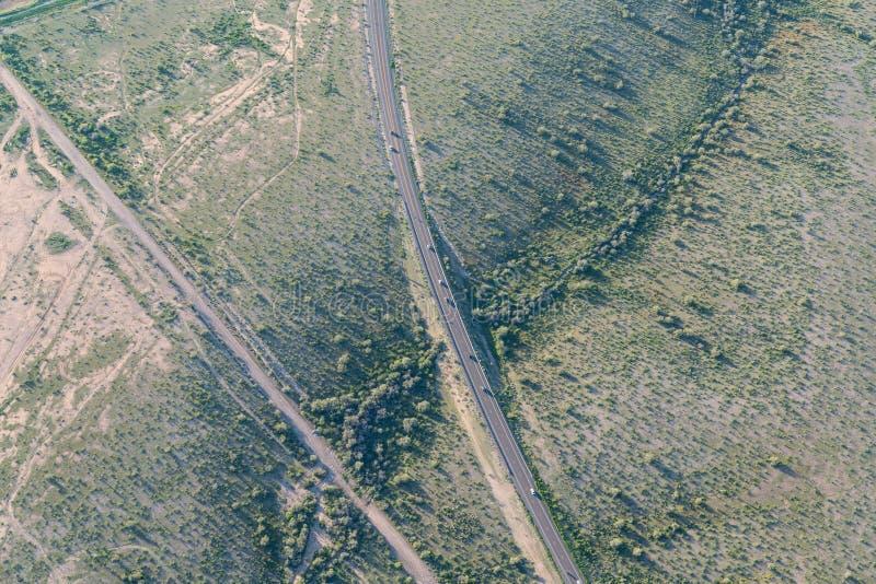 Εναέρια άποψη του δρόμου στην έρημο κοντά στο Phoenix, Airzona στοκ φωτογραφίες