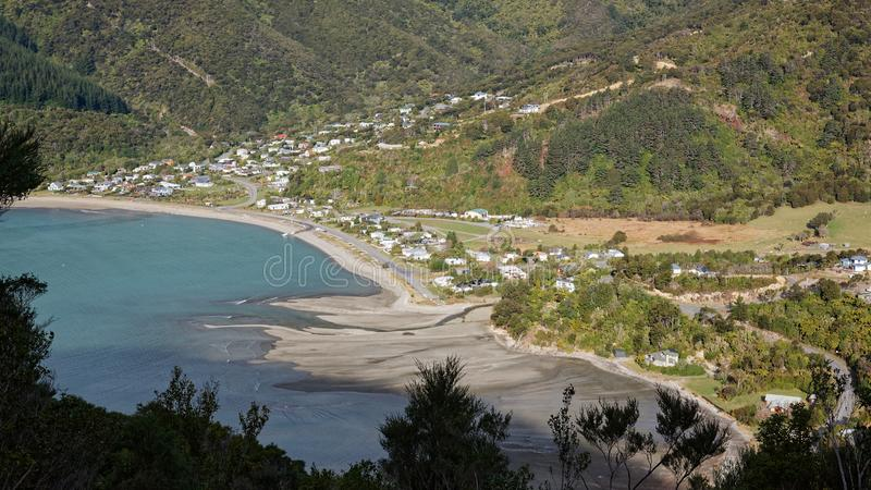 Εναέρια άποψη του κόλπου Okiwi, ήχοι Marlborough, Νέα Ζηλανδία στοκ φωτογραφία