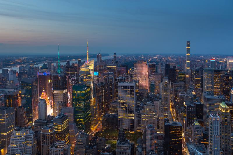 Εναέρια άποψη του Μανχάταν τη νύχτα, Νέα Υόρκη στοκ εικόνες