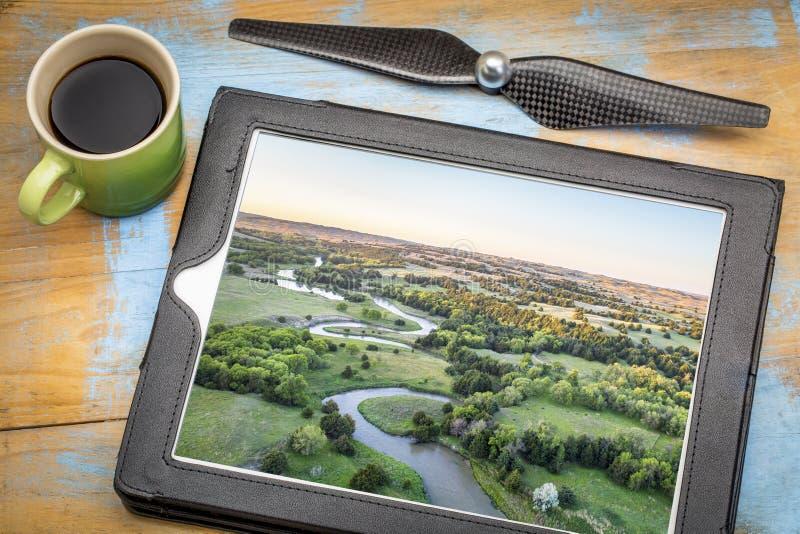 Εναέρια άποψη του μελαγχολικού ποταμού στη Νεμπράσκα στοκ εικόνα με δικαίωμα ελεύθερης χρήσης