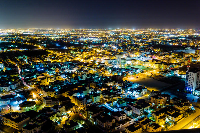 Εναέρια άποψη του Μπαχρέιν τη νύχτα στοκ εικόνα