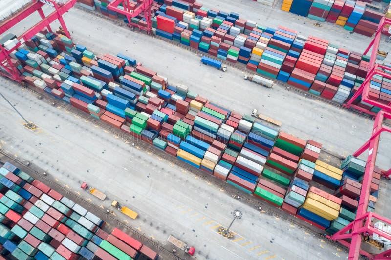 Εναέρια άποψη του ναυπηγείου εμπορευματοκιβωτίων στοκ φωτογραφία με δικαίωμα ελεύθερης χρήσης
