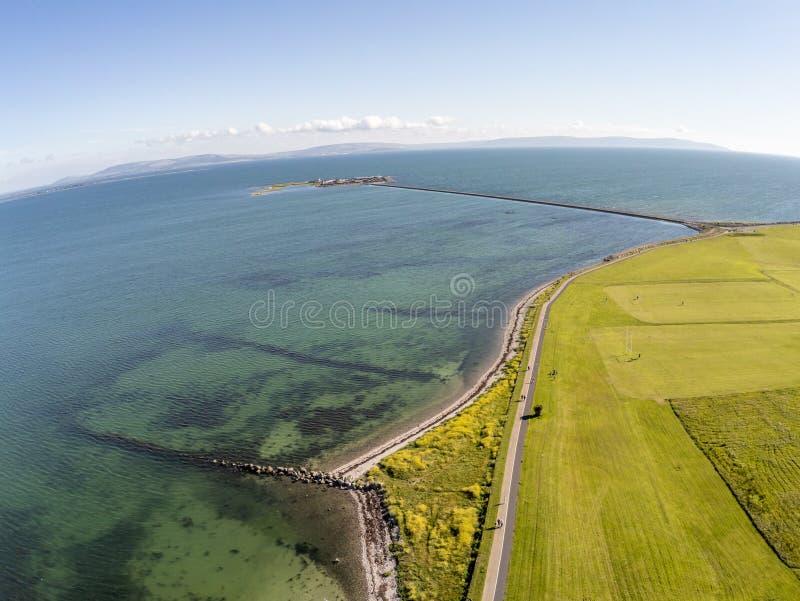 Εναέρια άποψη του νότιου πάρκου και του νησιού πρόβειων κρεάτων Galway στον κόλπο στοκ εικόνα με δικαίωμα ελεύθερης χρήσης