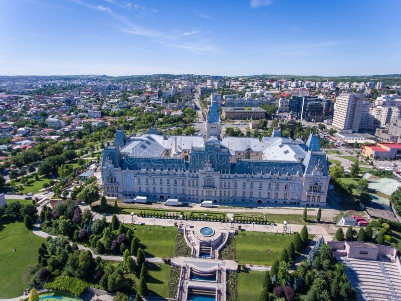 Εναέρια άποψη του παλατιού πολιτισμού Iasi στη Μολδαβία, Ρουμανία στοκ φωτογραφίες με δικαίωμα ελεύθερης χρήσης