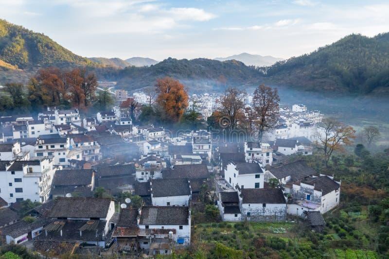Εναέρια άποψη του χωριού shicheng στα τέλη του φθινοπώρου στοκ εικόνες