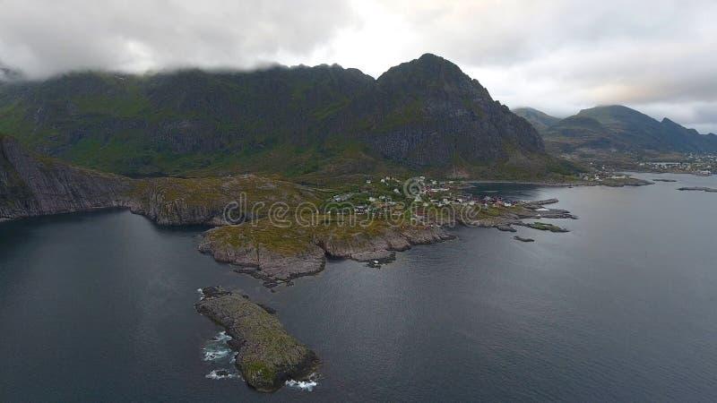 Εναέρια άποψη του ψαροχώρι Α στα νησιά Lofoten στον ήλιο μεσάνυχτων, Νορβηγία στοκ φωτογραφίες με δικαίωμα ελεύθερης χρήσης