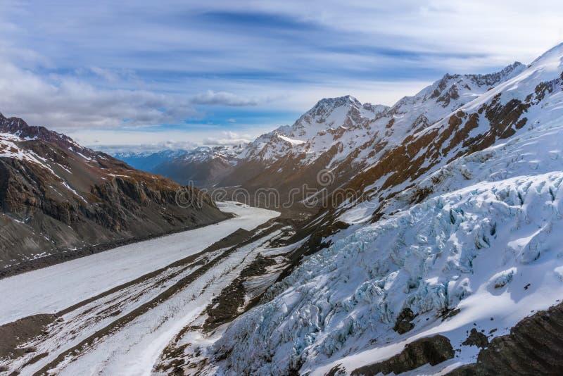 Εναέρια άποψη των βουνών στη Νέα Ζηλανδία στοκ εικόνες