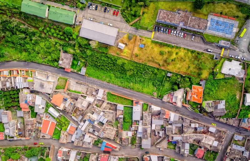 Εναέρια άποψη των περιοχών κατοικιών σε Banos, Ισημερινός στοκ εικόνα