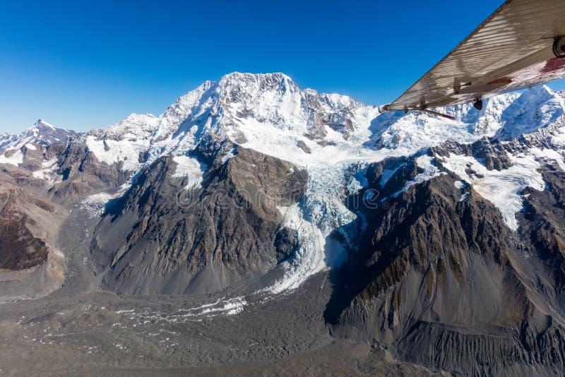 Εναέρια άποψη χιονιού καλυμμένη από Mt Μαγείρεμα / Αοράκι στη Νέα Ζηλανδία`Νότια Νήσος στοκ εικόνα με δικαίωμα ελεύθερης χρήσης