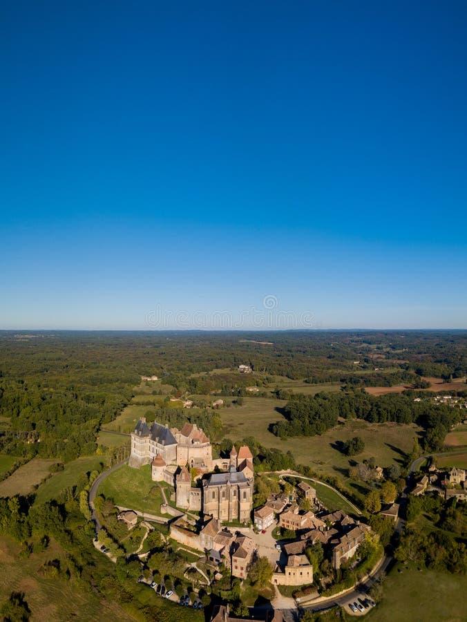 Εναέρια άποψη, χωριό και κάστρο Biron, Dordogne στοκ φωτογραφίες με δικαίωμα ελεύθερης χρήσης