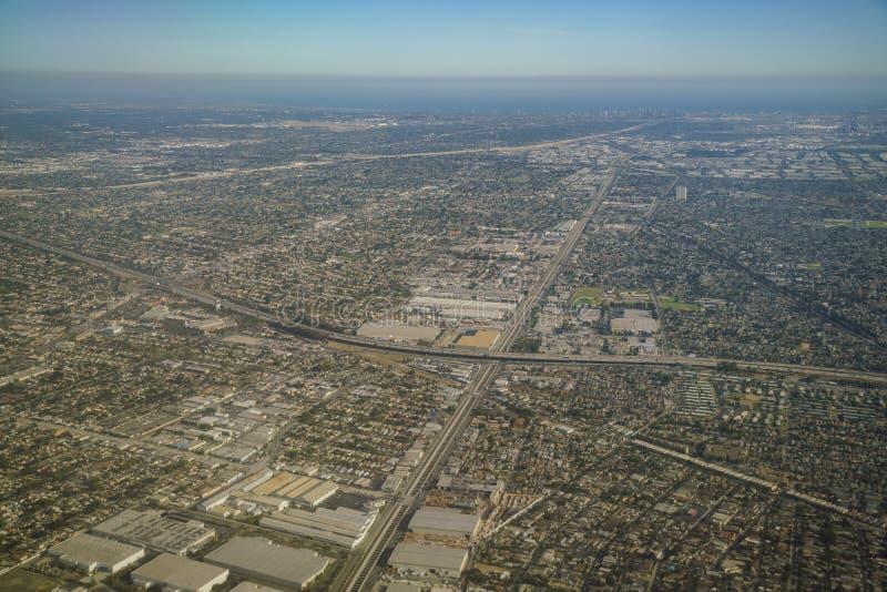 Εναέρια άποψη Compton, άποψη από το κάθισμα παραθύρων σε ένα αεροπλάνο στοκ εικόνα