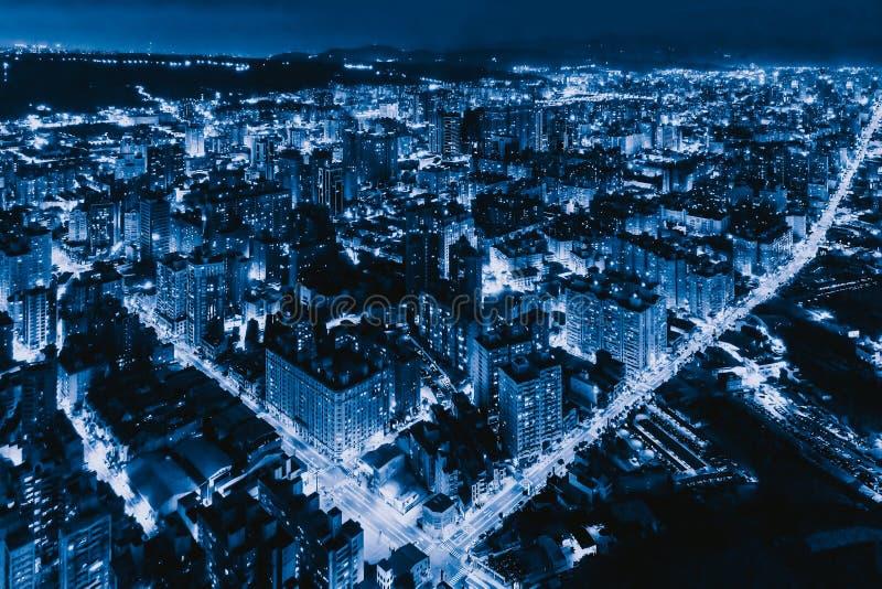 Εναέρια άποψη Taoyuan κεντρικός, Ταϊβάν Οικονομικά περιοχή και εμπορικά κέντρα στην έξυπνη αστική πόλη Ουρανοξύστης και πολυόροφο στοκ εικόνα με δικαίωμα ελεύθερης χρήσης