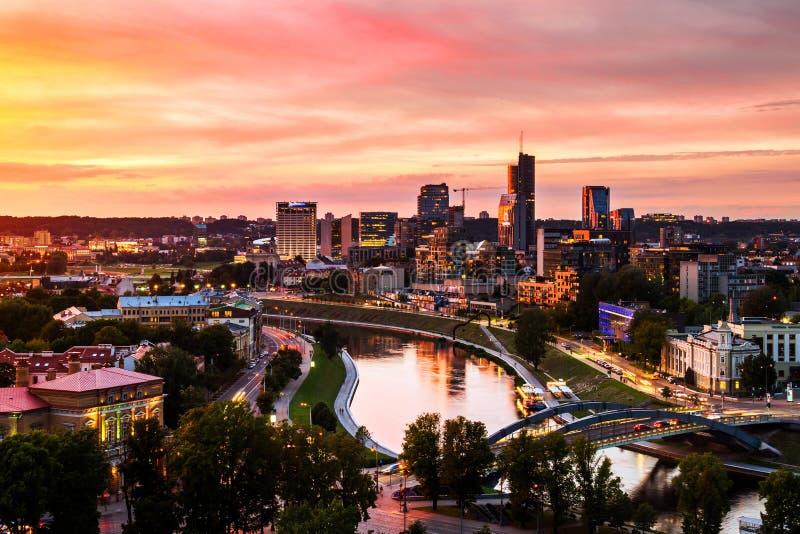 Εναέρια άποψη Vilnius, Λιθουανία στο ηλιοβασίλεμα στοκ εικόνα με δικαίωμα ελεύθερης χρήσης