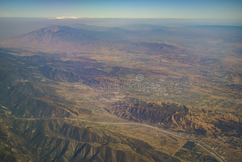 Εναέρια άποψη Yucaipa, κοιλάδα κερασιών, Calimesa, άποψη από το windo στοκ εικόνες με δικαίωμα ελεύθερης χρήσης