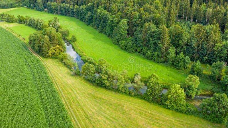 εναέρια εικόνα άποψης του ποταμού Neckar κοντά σε Neckarhausen Γερμανία στοκ φωτογραφία με δικαίωμα ελεύθερης χρήσης